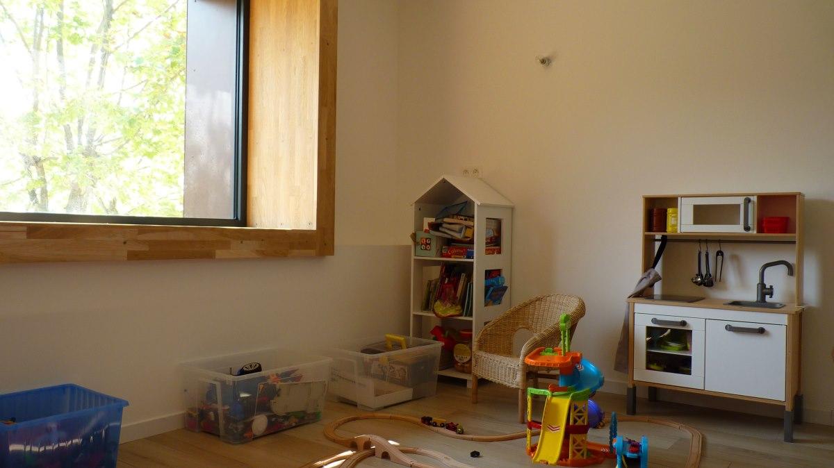 chambre-enfant-maison-ossature-bois-azzaro-architecte