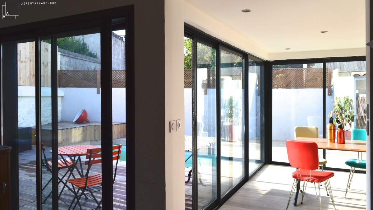 extension-contemporaine-villa-marseille-sejour-terrasse-bois-jeremy-azzaro-architecte