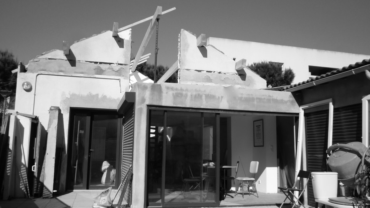 extension-renovation-villa-marseille-chantier-extension-renovation-toiture-jeremy-azzaro-architecte