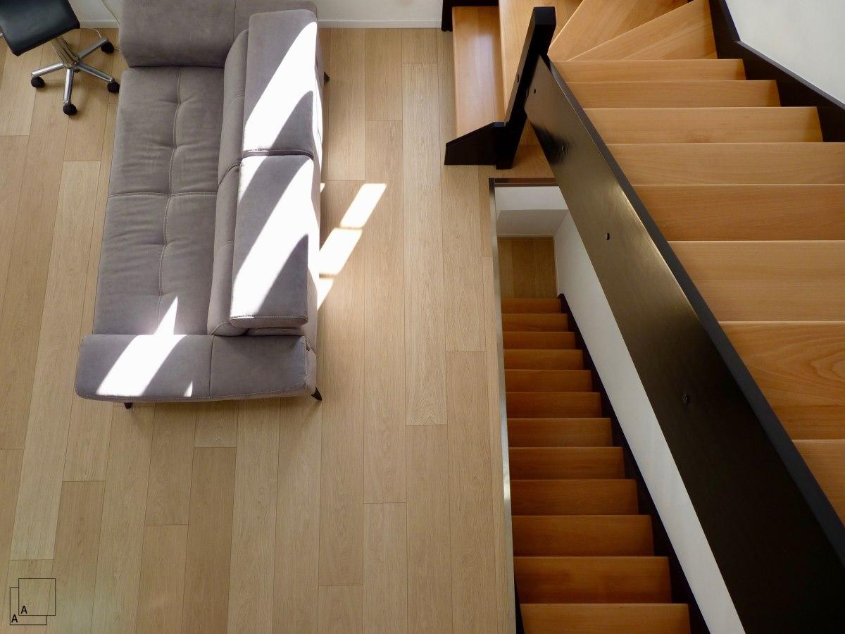 jeremy-azzaro-architecte-triplex-escalier-combles