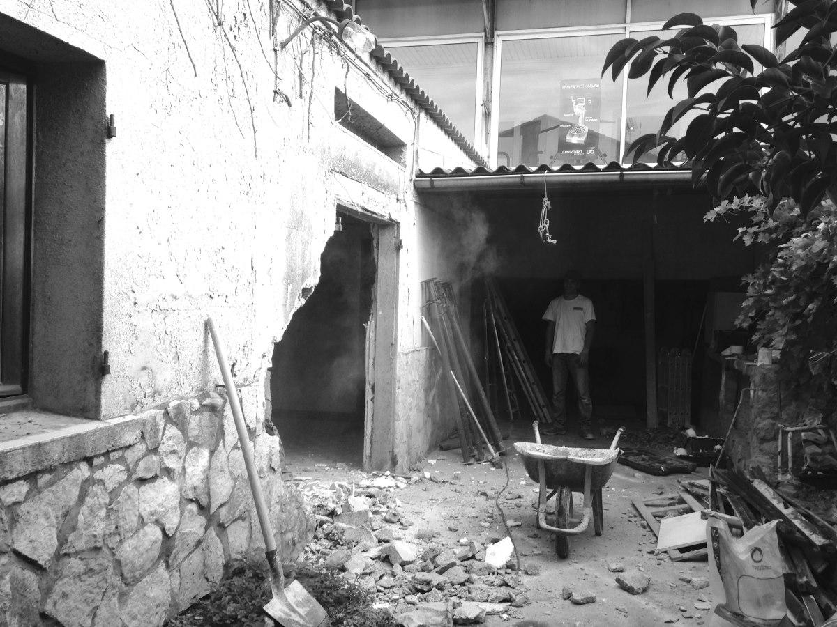 renovation-loft-cave-jardin-marseille-chantier-demolition-jeremy-azzaro-architecte