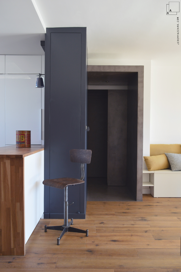 renovation-reamenagement-appartement-marseille-beton-bois-cuisine-vestiaire-archik-jeremy-azzaro-architecte